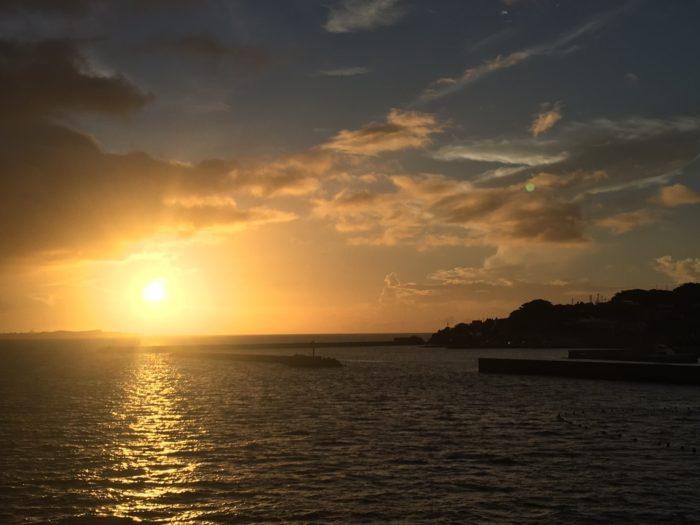 古宇利大橋からの夕日